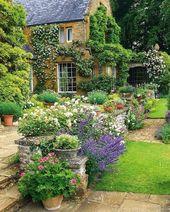55 Beautiful Backyard Landscaping Along Fence Decoration Ideas #BackyardLandscaping #BackyardIdeas