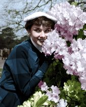 31 Colorful Photos Show Hat Styles That Audrey Hepburn Often Wore From Between the 1950s and '60s ~ vintage everyday