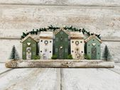 Christmas ornament • Driftwood Home Art • Christmas Decor • Green Christmas • Upcycled Art • Wooden Houses • The SeaSalt Shed • Farmhouse – Weihnachten