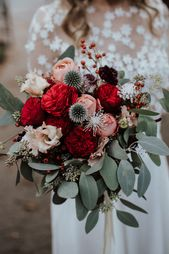 Fancy bridal bouquet in red, pink and green – with peonies, roses and eucalyptus I wedding photography Brautstrauss I Photo: Sven Hebbinghaus …