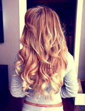 Pretty Girls with Curly Hairstyles – New Best Hairstyle