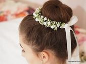 ** Communion Kränzchen Hairdressing Roses ** This delicate wreath of artificial, small creamy white flower umbels, smallest white roses and f …