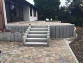 Granitstelen, Treppenaufgang, Pflasterarbeiten – Garten