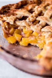Dies ist der beste Pfirsichkuchen! Butterkuchen-Kruste und saftige hausgemachte Pfirsichkuchen-F …   – Easy as Pie