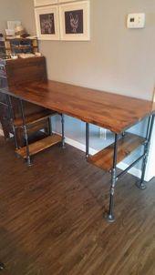 Industrieller Schreibtisch aus Altholz, Rustikaler Schreibtisch, Industrieller Pfeifenschreibtisch, Chefschreibtisch, Schreibtisch aus Altholz, Pfeifenschreibtisch