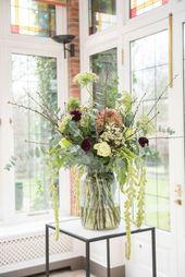 bloemen ter decoratie op bruiloft