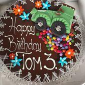 Zu Toms Geburtstag gibts hier im Urlaub eine waschechte Sachertorte von der Kond… – Dekoration
