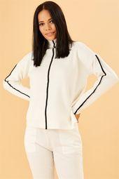 Onu Serit Detayli Beyaz Dik Yakali Triko Kazak Triko Moda Stilleri Cizgili Kazak