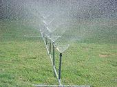 Selbst gemachter PVC-Wassersprenger   – Water sprinkler