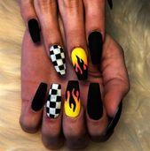 YUNAI 24Pcs Falsche Nägel Deep Purple Matte Maniküre Patch Kleine runde Kopf Gefälschte Nägel   – Matte Nails