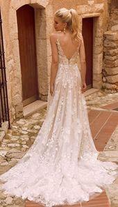 A perfect secret garden wedding gown – rich botannical embroidered lace appliq…