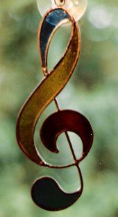 Música ♪♫♥…..La música es el corazón de la vida. Por ella habla el am…