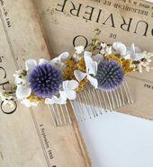 Le peigne de mariage Violine est un accessoire de cheveux en fleurs naturelles, …