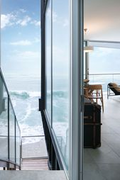 Contemporary Beach House Built to Withstand the Effects of Climate Change   – Beautiful Gardens & Houses