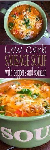Einfache Ketosuppe mit Wurst, Paprika und Spinat ist unglaublich! Es ist ein einfaches Keto …
