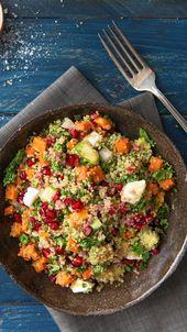 Rezept für Grünkohlsalat mit Quinoa und Süßkartoffeln