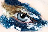 Wir sind kurz davor, Sie in den Bann zu ziehen. Ersetzen Sie den Glitzer durch Glanz und Ihr neues Jahr …   – Beautiful Makeup