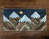 Handgemachte aufgearbeitete hölzerne schneebedeckte Bergspitzenwandkunst