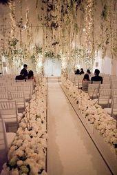 Des idées de fleurs suspendues pour votre mariage