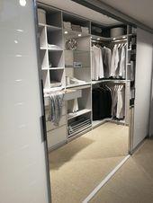 Begehbarer Kleiderschrank Babybett Begehbarer Begehbarerkleiderschrank Bet In 2020 Begehbarer Kleiderschrank Ankleide Zimmer Ankleidezimmer