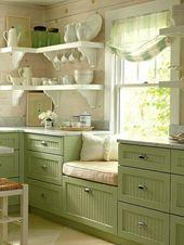 Der #Landhausstil vermittelt ein Gefühl von Komfort und Ruhe. In der #Ka …  – Küchen im Landhausstil