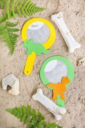 DIY-Idee – Einladungen für ein Dinosaurier-Geburtstagshandwerk aus Salzteig und …   – DIY Kindergeburtstag