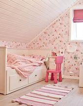 chambre de petite fille avec papier peint rose motif papillons lit avec rangements et - Papier Peint Fille