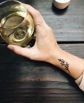 Minimales Tattoo – Tätowierungen – #minimales #tattoo #Tattoos #flowertattoos