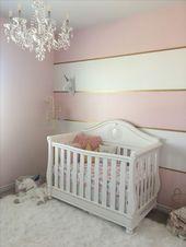 Pink und Gold. Gestreifte Wand – Kinderzimmer