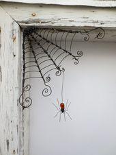 Tschechoslowakischen Orange Spinne baumelt von 12″ Stacheldraht Ecke Spinnennetz