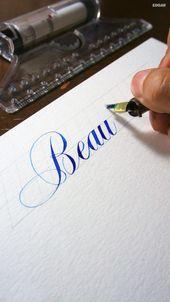 Schönheit geschrieben im Copperplate-Skript