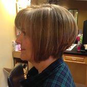 20 besten kurzen Frisuren, die Frauen über 60 Jahre jünger aussehen lassen – BuzzAura