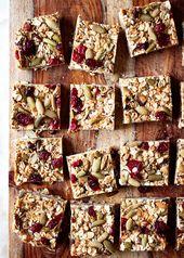 Granola au beurre d'arachide sans cuisson avec canneberges séchées et pépitas   – Vegan