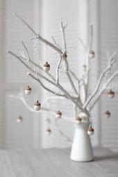 Weiße Weihnachtsschmuck – gefilzte Eichel Dekorationen – Set von 6 magischen Wald Wald Party Favors – Mitarbeiter Geschenkidee – von Vaida Petreikis   – Weihnachten