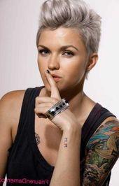 Layered Pixie Haircut Ideen für kräftiges Haar – Rasiert Frisuren 2018 –  – #Kurzhaarfrisuren