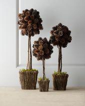 Trois topiaires de cônes de pins alpins   – *CHRISTMAS Shoppe*