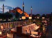 Vale a viagem: conheça 10 hotéis pelo mundo com vistas incríveis