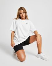 Nike Damen Essentials Boyfriend T-Shirt em 2020 | Looks ...