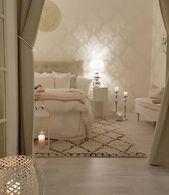 Wunderschöne cremetöne und weiße Bettwäsche im Schlafzimmer. #bettwäsche #s… – Bedroom cocooning – Bettwäsche zum Wohlfühlen