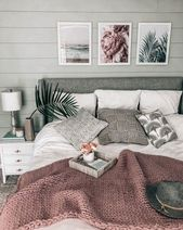 chunky knit blanket ON SALE! cozy beachy bedroom PRETTY IN THE PINES // a lifest… – Kochen