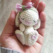 I love this cute little Bunny 🥰 . . Pattern @topito_de_luna . . #amaloudesign
