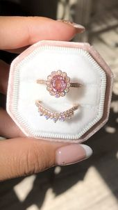 OOAK Padparadscha Sapphire Bridal Ring Set by La More Design – All about – Weddingrings