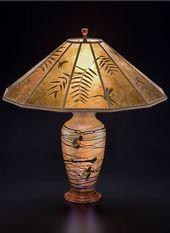 Lindsay Art Glass Tischlampe und Mica Lampenschirm: Pfefferblätter und Libellen   – Lighting