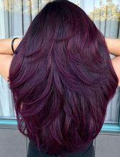 Fantastische rote violette Haarfarbtöne, zum 2020 vorzuführen