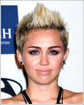 Trendy Short Funky Faux-Hawk Haircut für Damen – Miley Cyrus Kurze Frisur