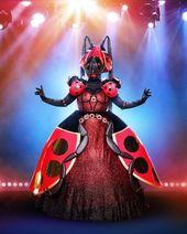 Le Paon Mask Singer : singer, Shingle, Ideas, Singer,, Singing, Competitions,
