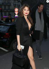 PHOTOS – Selena Gomez à la sortie de son hôtel le Royal Monceau avec une amie à Paris pendant la trend week le eight mars 2016 © Cyril Moreau / Bestimage