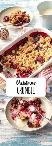 Weihnachtskrümel mit Beeren und Vanillesauce   – Essen
