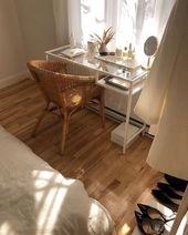 Bohemian Home Office mit Rattanstuhl und Glas-Ikea-Schreibtisch #bohohomes #bohemiani … – …