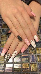 Ejiubas Neueste Ankunft 24 Stücke Fleisch Farbe Matt mit glänzendem Finish Full Cover Talone Medium Falsche Nagelspitzen (Nude farbe)   – Matte Color Nails